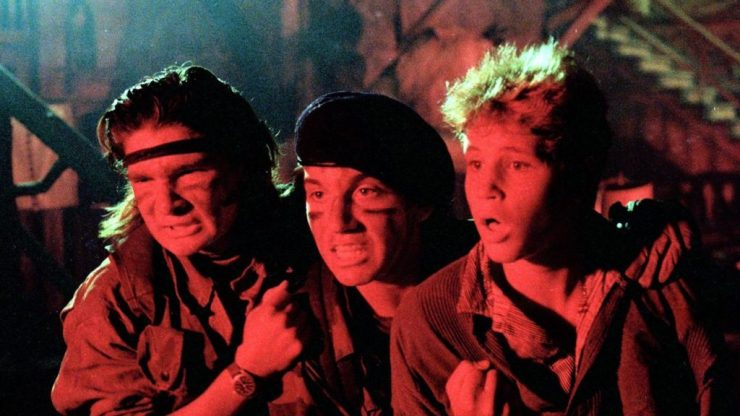 The-Lost-Boys-1987-Movie-Scene-1024x576